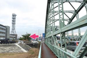 伊勢大橋西詰の交差点